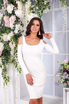 Белое платье с открытыми плечами Angela Ricci